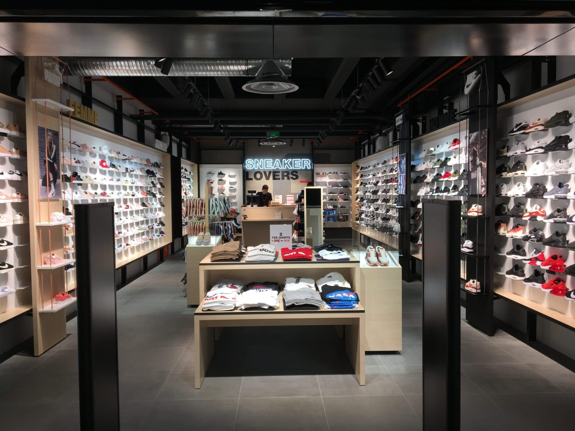 Agencement magasin de chaussures