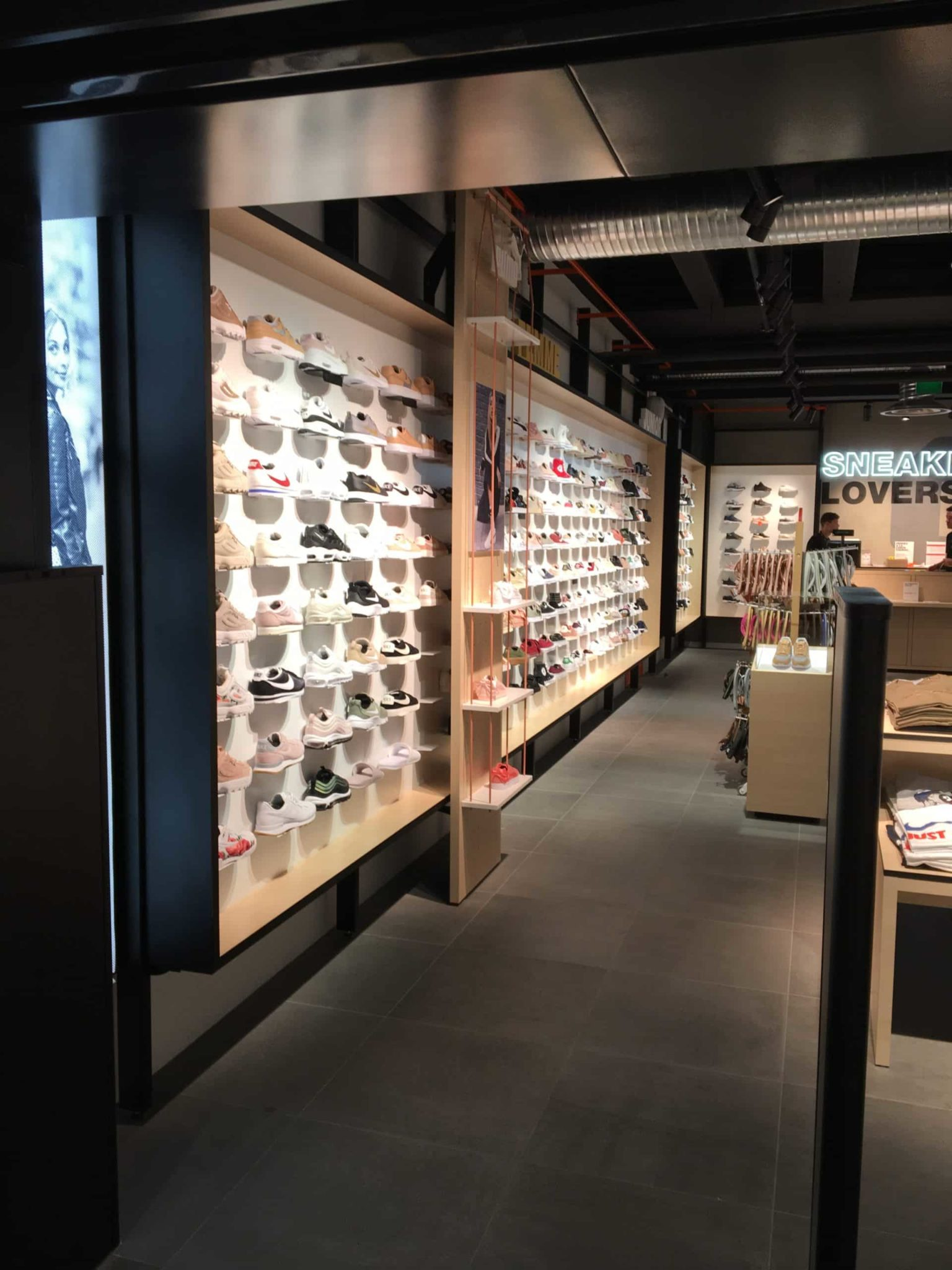 Agencer un magasin de chaussures