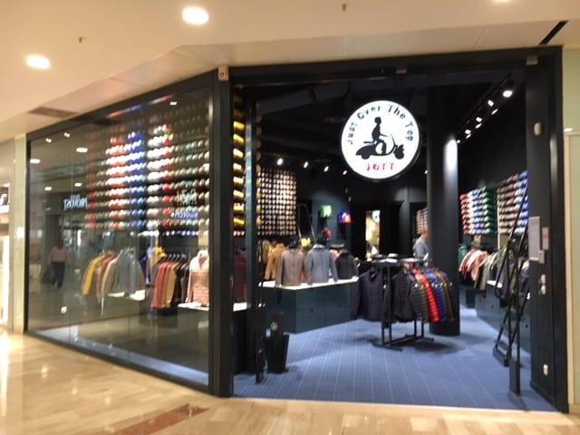 Aménagement de boutique de vêtement retail